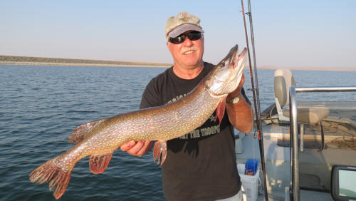 fort-peck-fishing-02